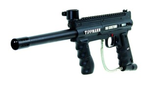 Tippmann 98 custom paintball geweer close